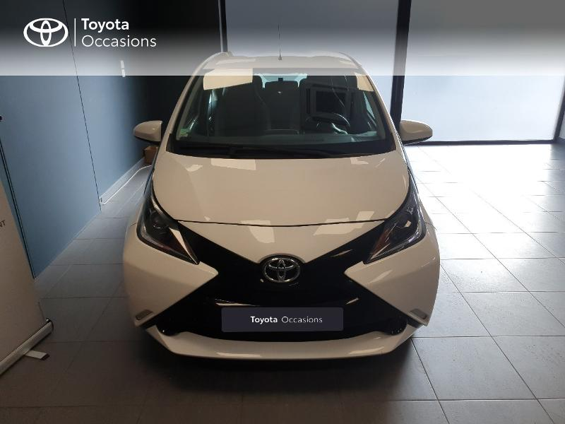 2018 Toyota Aygo - LANESTER BRETAGNE - Citadines BLANC PUR 1.0 VVT-i 69ch x-play 5p - ALTIS Lorient