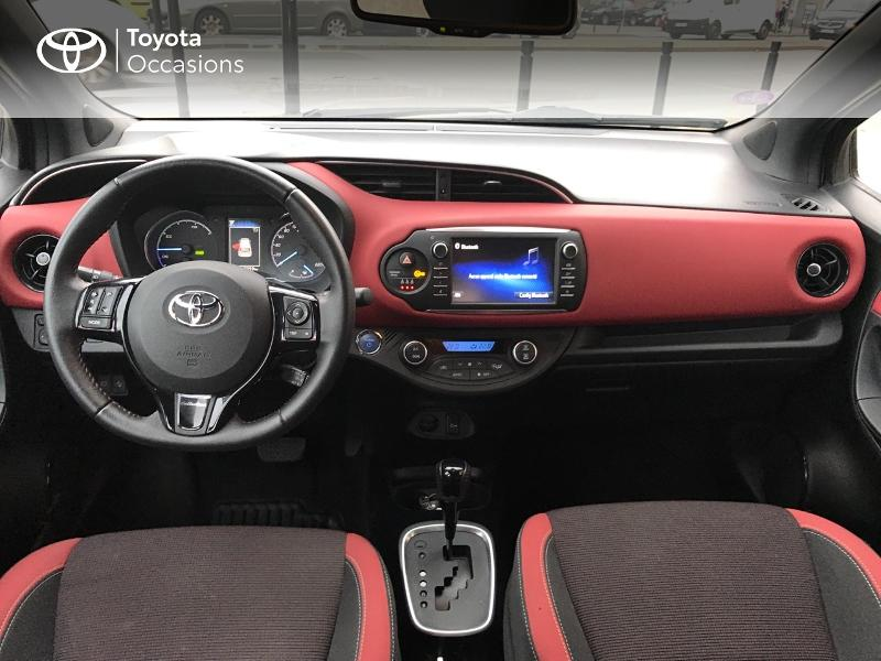 2017 Toyota Yaris - SARTROUVILLE Ile-de France - Gamme Hybride Citadines Bi-ton Rouge Allure 100h Collection 5p - VAUBAN MOTORS Sartrouville
