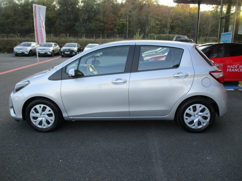 2019 Toyota Yaris - SAMOREAU Ile-de France - Citadines Gris Clair Métal 70 VVT-i France Connect 5p RC19 - AUTOMOBILE FONTAINEBLEAU