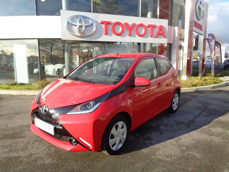 2018 Toyota Aygo - BEAUNE BOURGOGNE - Citadines rouge 1.0 VVT-i 69ch x-red 2018 5p - GARAGE NELLO CHELI Beaune